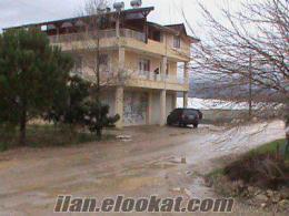 antalya serikte satılık evi ve bahçesi içerisinde kapalı sera