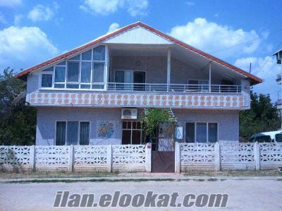 SAHİBİNDEN villa tip mustakil çatı katlı bahçeli ev (685m²)