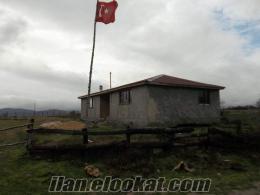 çağlayık köyünden ev ve 4 dekar arsası ile satılık