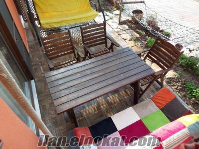 Ürkmez Denize75m 1+ 1 Bahçeli 2Klimalı Wifi LCDtv Daire