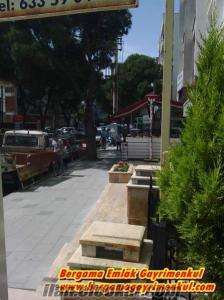 İzmir Bergama Maltepe mah.bim çivarı merkezde dükkan 50 m2.yan yana 2 dükkanımız