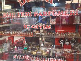 izmirde sahibinden çok acil devren satılık parfümeri ve bijuteri dükkanı