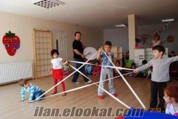 Anaokulu Folklör Öğretmeni, İRTİBAT