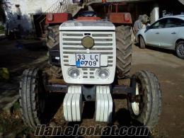 sınıfında temiz bir traktör