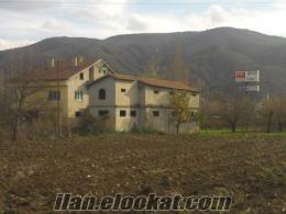 Bilecik-Bozüyük Karaköy mevkiinde satılık işyeri villa
