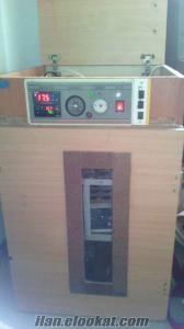 kartralda satılık el yapımı kuluçka makinası