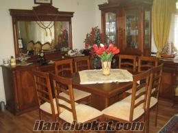 Az kullanılmış oturma ve yemek odası takımı