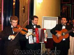 İspanyolca İngilizce Türkçe Greek Çiğan repertuarlı müzisyen ve ses sistem kira