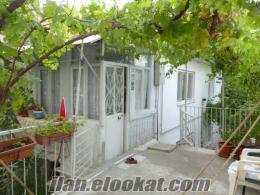 ertuğrulgazide bahçeli iki katılı cadde üstü satılık müstakil ev