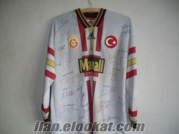 2000-2001-Galatasay Avrupa Süper Kupa Şampiyonu imzalı forması