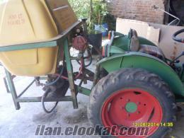 Aydında bahçe traktörü