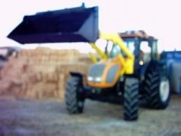 Satılık valtra 85 A traktör e ön kepçe (alttan açılır kazanlı)