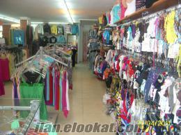tekstil mağazasına bayan tezgahtar