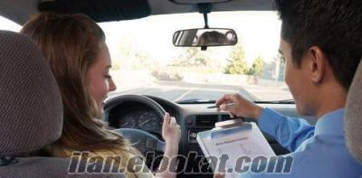 sürücü bayan adaylara ders verilir