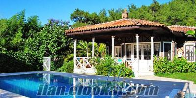 Balayı villası özel havuzlu dışarıdan görünmeyen günlük kiralık