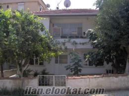 istanbul ümraniyede mustakil bahçeli iki katlı bir ev kiralıktır