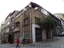 Beyoğlunda sahibinden satılık 2, 5 katlı bina