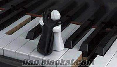 piyanist dugunlere ariyorum dediniz ara bul ilani tut.istanbul. piyanist dugun