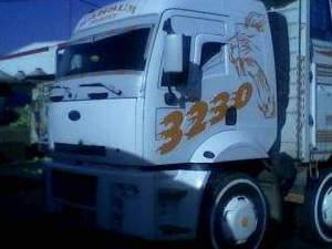 her ilden parçalamaya ağır hasarlı kamyon alınır