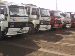 kiralık arazöz ve damperli kamyon