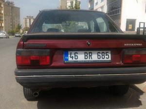 3_renault-r-9-1-4-broadway.jpg