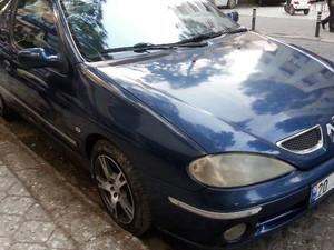 3_renault-megane-1-6-coupe-otomotik-vites.jpg