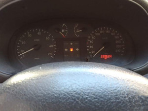 2000 yil Renault Clio 1.6 RXT