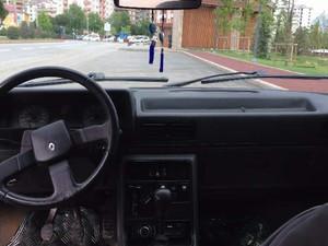 Düz Vites Renault R 9 Broadway RNi