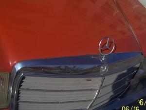 1978 yil Mercedes Benz 200 200