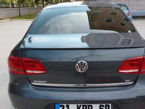 2011 model Volkswagen Passat 1.6 TDi BlueMotion Comfortline