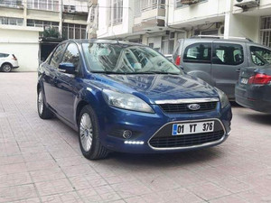 Sedan Ford Focus 1.6 Titanium