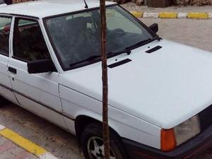 1993 yil Renault R 9 1.4 Broadway