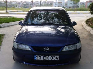 Sedan Opel Vectra 2.0 GLS