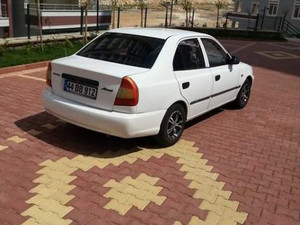 Hyundai Accent 1.3 LX beyaz
