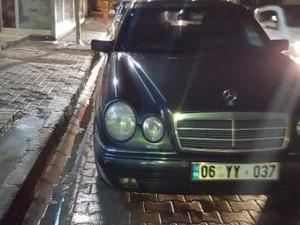 Mercedes Benz E 200 Elegance 40500 TL