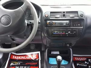 1999 yil Honda Civic 1.6 iES