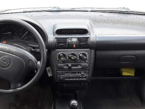 1998 model Opel Corsa 1.4 Swing