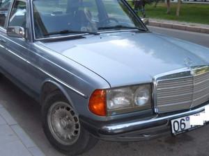 1984 modeli Mercedes Benz 230 230 E