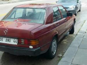 1985 modeli Mercedes Benz 190 E 2.0