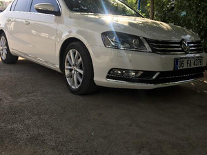 2013 model Volkswagen Passat 1.6 TDi BlueMotion Highline
