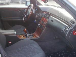 Mercedes E 200 sunroof+klima