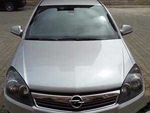 2012 model Opel Astra 1.6 Essentia Comfort