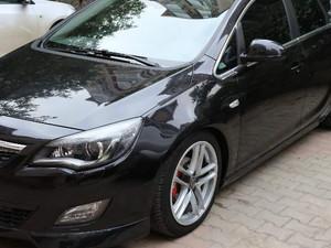 2el Opel Astra 1.4 T Cosmo