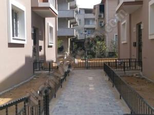 İzmir Gaziemir Menderes Mah. 3+1