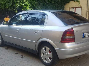2004 model Opel Astra 1.6 Enjoy