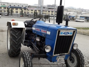 1982 model  3600 ford traktör