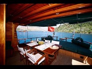 Lüks  teknede bir hafta tatil