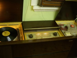 Radyo Dual Pikap Müzik Dolabı Jukebox Tamiri Tel 0536 290 10 39 Çeşme İzmir