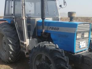 4x4 traktör