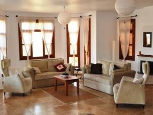 kiralık villa Çukurbağ Köyü fiyatları